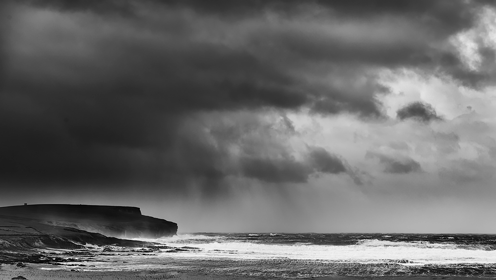 Orkney Storm copyright: charles kenwright/ www.openmind-images.com